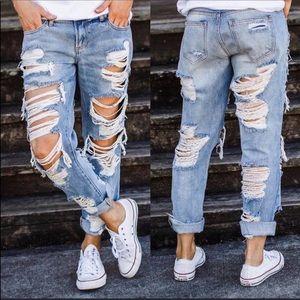 NWT Cello Slim Boyfriend Destroyed Jeans Size 1